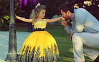 vestidos de concurso de la magdalena amarilla al por mayor-Dijo Mhamad Yellow Princess Girl's Dressant Dress Vintage Lace Party Cupcake Flower Girl Bonito vestido para niño pequeño