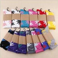 Wholesale chiffon material wholesale - Women's Socks Cotton Material For Unisex Maple Leaf Huff Socks Long Skateboard Basketball Socks For Couple Crew Hip Hop Sox