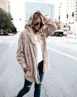 manteau d'hiver à capuchon féminin achat en gros de-Manteau en fausse fourrure à la mode féminine à capuche Streetwear Two Side Wear Manteau d'hiver femme chaud et confortable manteau