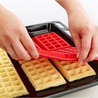 Wholesale Microwave Baking Cookie Mold Cake Muffin Bakeware Cooking Tools Kitchen Accessories Supplies Pan Family Silicone Waffle Mold Maker S337