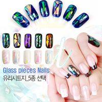 farklı renklerdeki çiviler toptan satış-Toptan-5 Farklı Renkler / set YENİ Kırık Cam Adet Ayna Folyo İpuçları Stencil Çıkartması Nail Art Sticker Sevimli Araçlar