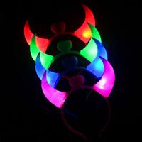 ingrosso corna del diavolo la luce-LED Light Up lampeggiante Devil Horns Headband Glowing Devil Horns LED Costume fascia per forniture di Halloween Festa di Natale DHL libero