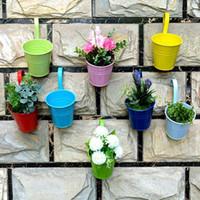 ingrosso vasi per pianta metallica-Vasi da patio 8 pz / lotto Vasi da fiori sospesi Vasi da giardino Balcone Fioriere Secchio di ferro in metallo Porta fiori con gancio rimovibile