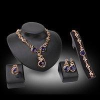 2016 New Blue Sapphire 18 Karat Gold Schmuck-Set Ohrringe / Armband / Halskette / Ring Für Frauen