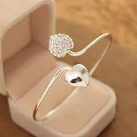 tipos de puños al por mayor-Joyería de plata cristalina de la manera del amor del corazón de las mujeres plateado brazalete pulsera caliente del regalo de la joyería corazones dobles brazalete de diamantes de imitación clásica Tipo de cristal