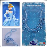 Barato Sapatas De Vestido Das Meninas Azuis-Cosplay Fairytale Cinderella Necklace for Kids Meninas Crystal Glass Shoes Pendant Necklace Blue color Dress Up Jewelry