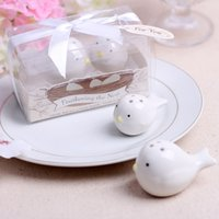 Wholesale Cheap Salt Pepper - 4pcs set Ceramic Feathering the Nest Love birds Salt and Pepper Shaker Wedding Favors Cheap Party Gifts