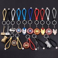 Hot Wholesale Captain America Shield Metal Porte-clés The Avengers Superman Batman Keychain Hulk Iron Man Porte-clés Keyfob Accessoires de mode