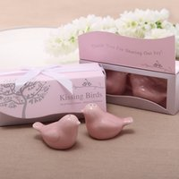 Discount salt boxes - 200Pcs Free Shipping New Ceramics Bridal Party Favor Pink Kissing Love Birds Salt And Pepper Shaker Wedding Favor+Gift Box