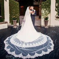 Wholesale Scalloped Edge Bridal Veil - Wholesale One Layer 3 Meters Long Wedding Veils With Lace Appliqued Scalloped Edge Cheap Tulle Cathedral Bridal Veil With Comb For Bridal