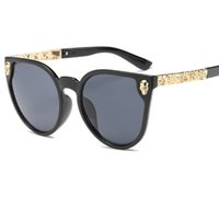 Wholesale Pearl Cat Eye Glasses - 2017 Brand Designer Cat Eye Sunglasses Women HD Lens Glasses Hot Sale Frame Inset Pearl Feminino Sun Glasses UV400 Y159