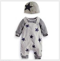 bebek üçlü takım elbise toptan satış-Üç Parçalı Set Bebek Boys Sonbahar Giysi Setleri Bebek Uzun Kollu Çizgili T-shirt + Yıldız Matkap Askı Pantolonları + Şapkalar Toddler Suit