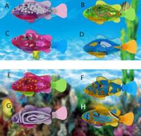 jouets robotique achat en gros de-Le poisson robotisé a activé la batterie alimentant la batterie garçon de bain animal de compagnie jouets décor d'aquarium