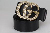 cinturones de regalos de empresa al por mayor-Hot 2018 Fashion Business Ceinture 20 cinturones estilo de diseño para mujer para hombre belt con cinturón negro no con la caja como regalo 561228