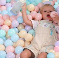 ingrosso palle dell'oceano di plastica-50pcs / lot Eco-Friendly colorato plastica morbida piscina di acqua Ocean Wave palla bambino divertente giocattoli stress aria palla Outdoor Fun Sports