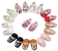 Wholesale Soft Sole Casual Leather Shoes - Winter Floral Baby Shoes Winter Wear Flower Printed Bow Lace-Up soft-soled Infant Prewalker Girls Flat Casual Shoes Toddler First Shoes C209