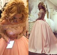 ingrosso l'abito di sfera fissa fuori dalla spalla rosa-2017 New Pink Vintage Prom Dresses Ball Gown Off spalla pizzo in rilievo di cristallo maniche lunghe dolce 16 telai bow party dress abiti di promenade
