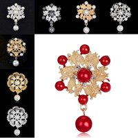 Wholesale Banquet Clothes Woman - Fashion pendant pearl brooch alloy plant flower corsage brooches pins for women banquet wedding bride Clothing accessories hotest