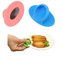 Silicone mini oven mitts - 200pcs Mini Silicone Oven Heat Insulation Clip Adiabatic Finger Guard Protector Mitt Pad for Plate Dish Clip Kitchen Tool ZA0549