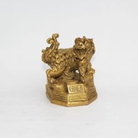 Wholesale metal lion statue - china fengshui brass wealth tiger lion animal lucky mascot statue home decoration