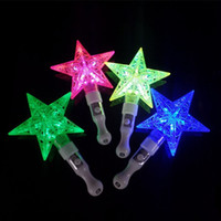 Conception Petite Led Pas Cher-Bâtons de lumière LED petit cinq étoiles point lumineux jouet quatre couleurs évider Designs Flash Sticks pour Party Decor 2 50qq B