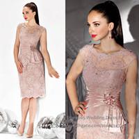 ücretsiz gelin elbiseleri toptan satış-Ücretsiz Kargo 2019 Seksi Illusion Anne Elbise Diz Boyu Dantel Aplikler Boncuklu Abiye anne Gelin Elbiseler Düğün Için