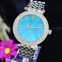 кристаллы свободного кварца оптовых-Fashion Luxury Quartz Casual Watch Double Row Luxury Crystal Diamond Modern Stylish Major Suit Women's Watch factory wholesale Free Shipping
