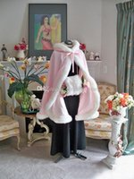 2015 Splendida lunghezza del pavimento Colore rosa Mantelle da sposa Mantelli di nozze Faux Fur Perfect For Winter Wedding Abiti da sposa Mantello Cape Flower girl Cape