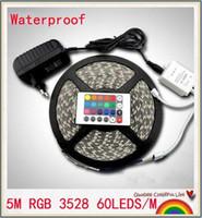 ingrosso 12v ha condotto le strisce di illuminazione-5m RGB led strip SMD 3528 Impermeabile 300 Led Strip Light + 24 Chiavi IR Remote + 12V 2A alimentatore spedizione gratuita