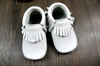 Wholesale blue baby booties - 2016 baby moccasins baby moccs girls bow moccs 100% Top Layer soft leather moccs baby booties toddler shoes