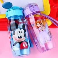 Wholesale Kids Plastic Water Cups - 401-500ml Cartoon Water Bottles Plastic Straw Drinkware Kids Snow White Princess Mickey Outdoor Drinking Cup Bottle CCA7315 300pcs