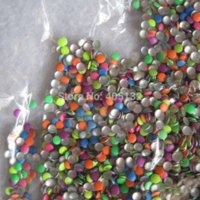 28000pcs / bag OD-66-Mix-Farben-3D 3mm Neonmischungs-Farben-runde Metallbolzen-glänzende Nagel-Dekoration reizende Outlooking