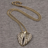 Vente En Gros Bejeweled Pas Cher-Rhinestone Bejeweled Double Aile Volante Pendentif Pendentif Gourmette Collier Court OEM ODM En Gros
