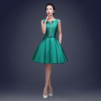 koyu yeşil diz elbise toptan satış-Bateau Boyun 395 Saten Kısa Kokteyl Elbiseleri Lace Up 2019 Boncuklu Diz Boyu Parti Elbise Koyu Yeşil