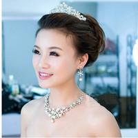 conjuntos de collar de boda de diamantes de imitación al por mayor-2016 Nuevo lujo barato Rhinestone cristalino collar y pendientes Conjuntos de joyería Joyería nupcial Accesorios de boda de plata