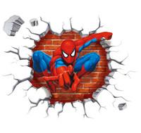 autocollants de héros achat en gros de-Super Hero Spider Man Breaking Mur 3D Effet Wall Sticker Decal Enfants Bébé Enfants Chambre Fond Stickers Muraux Livraison Gratuite