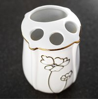 taza de porcelana de regalo al por mayor-Nuevo diseño Bone China Set de baño Kit de suministros de baño de cerámica Kit de tazas de cepillo de dientes Regalos de boda Jabonera Portacepillos de dientes