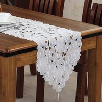 Wholesale Floral Table Runners - Boutique Hollow Embroidered Table Runners Modern Simplicity Dining Table TV Cabinet Covers White Color Floral Covers 2 Sizes Available