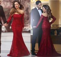 rotes kleid großhandel-2017 neue Entwurfs-lange rote Spitze-Abend-Kleid-Nixe weg vom Schulter langen Ärmeln bodenlangen Abend Partei-Kleider nach Maß