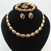 altın kaplamalı kostüm mücevheratı toptan satış-Kadınlar Için yeni Tasarım Takı Seti Moda Afrika Kostüm Kolye Mücevherat Altın Kaplama Gelin Takı Setleri