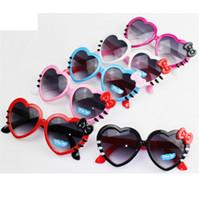 bebek plastik güneş gözlüğü toptan satış-Kalp Şekilli Güneş Gözlükleri Çocuklar Çocuklar için Plastik Çerçeve Güneş Gözlüğü Kız Bebek Ilmek Kedi Göz Shades Gözlük Gözlük
