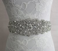Stunning Bridal Sashes Cinture di nozze Shining Rhinestone Long Wedding Sashes Accessori Bianco, Avorio, Vino Rosso, Marrone, Verde scuro 2017