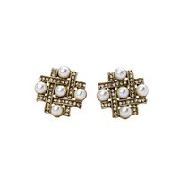 Full AAA Rhinestone Bejeweled Semi-Circle Qualificado Acrílico Pearl Inlay China Knot Clip Earring Antique Gold Moda Liga OEM ODM Atacado