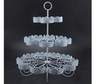 soporte de la torta de nivel de metal al por mayor-Cupcake Holder Wedding Decoration Postre Display 3 Tiers Blanco Lace Iron Cake Stand puede contener 22 pasteles