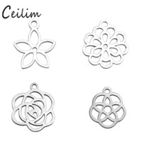 New Minimalis Oco Flor Rosa encantos Aço inoxidável Metal Charm Pendant For Bracelet Necklace DIY Making Jóias Suprimentos Grossista
