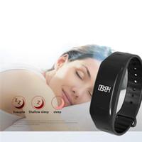 ingrosso braccialetto in silicone verde-Commercio all'ingrosso intelligente del braccialetto elettrico del silicone elettrico di polsino di Bluetooth C1
