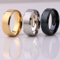 joyas de moda anillos de compromiso negro al por mayor-Joyería de moda Anillo de acero inoxidable 8 MM Banda de titanio, plata, negro, oro, hombres Tamaño 6 a 13 Anillos de compromiso