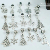 arbre de noël achat en gros de-MIC 110 Pcs Antique argent Alliage Mix Christmas Set Arbre / Flocon De Neige Charme Dangle Perle Fit Charme Bracelet DIY Bijoux