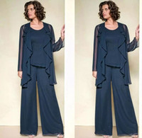 Dark Navy Three Pieces Mère de la mariée Pantalon Costumes Jewel Neck Beaded Robe invité de mariage Plus Size Cheap Mothers Groom Robes