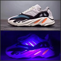 Wholesale running gifts - Orignal 2017 Boost 700 Kanye West Wave Runner Boost 350 V2 Sneakers Authentic Sply 350 Running shoes Christmas gift size 36-46